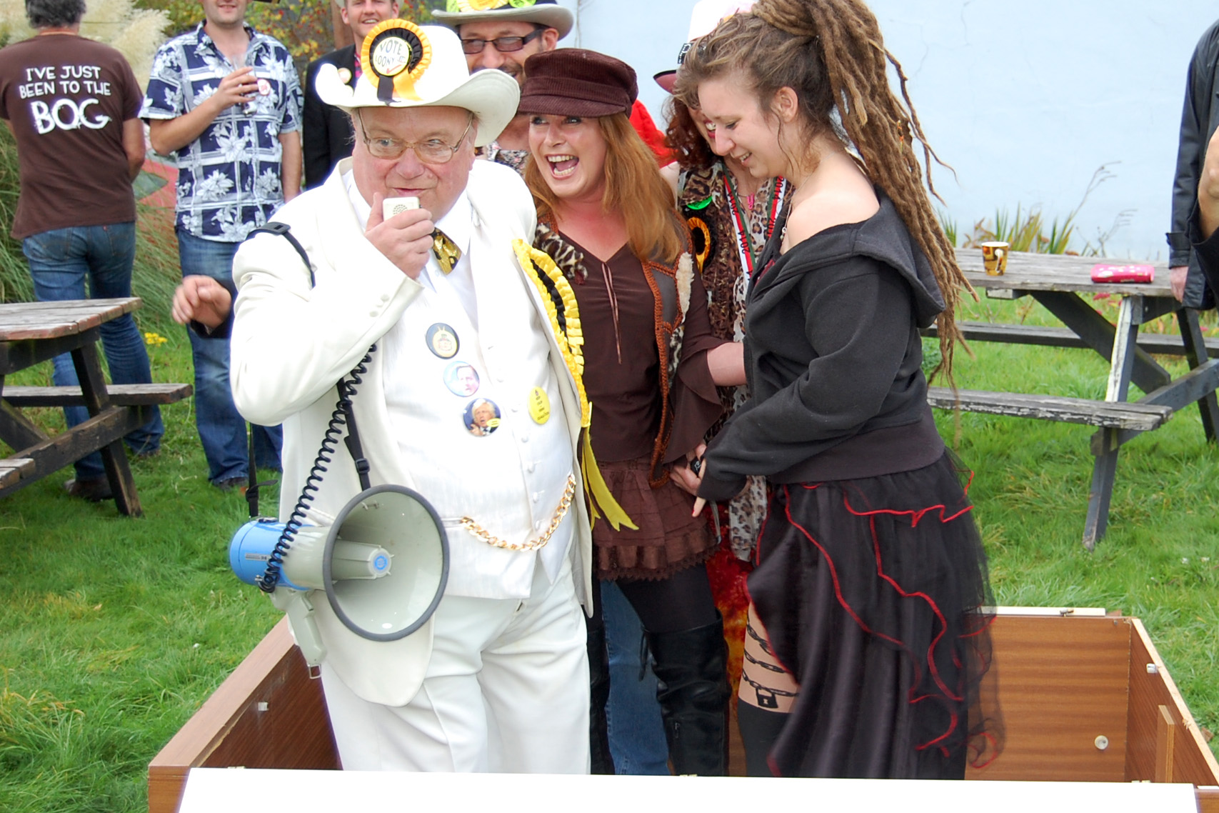 http://www.loonyparty.com/wp-content/uploads/2014/09/2014_6934_Ridgebourne_Llandrindod_Wells_27_Sep.jpg